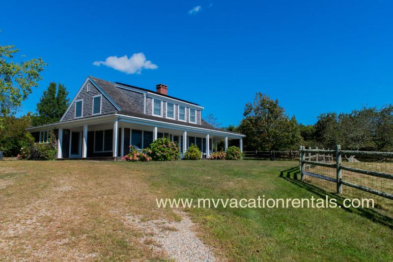 LORUJ - Spacious Ocean View Home,  Private Association Beach - South Shore - Inq – semesterbostad i Aquinnah