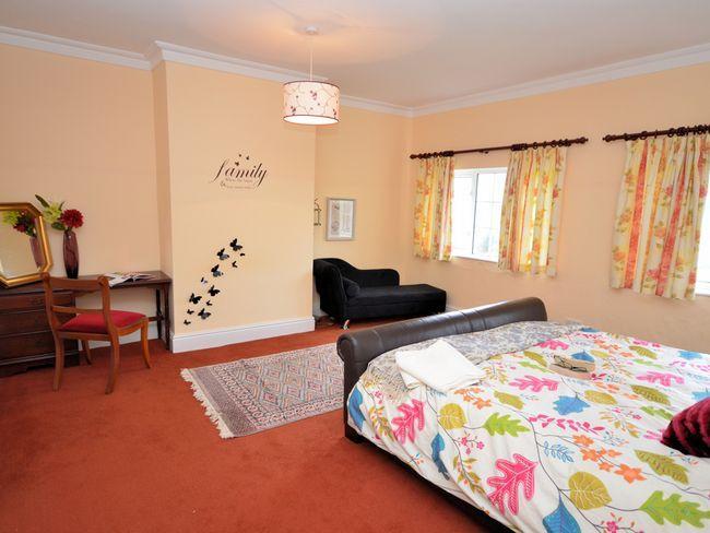 Super King bedroom with en-suite