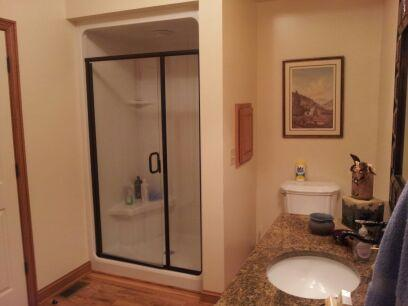 Large spacious bathroom with walkin shower