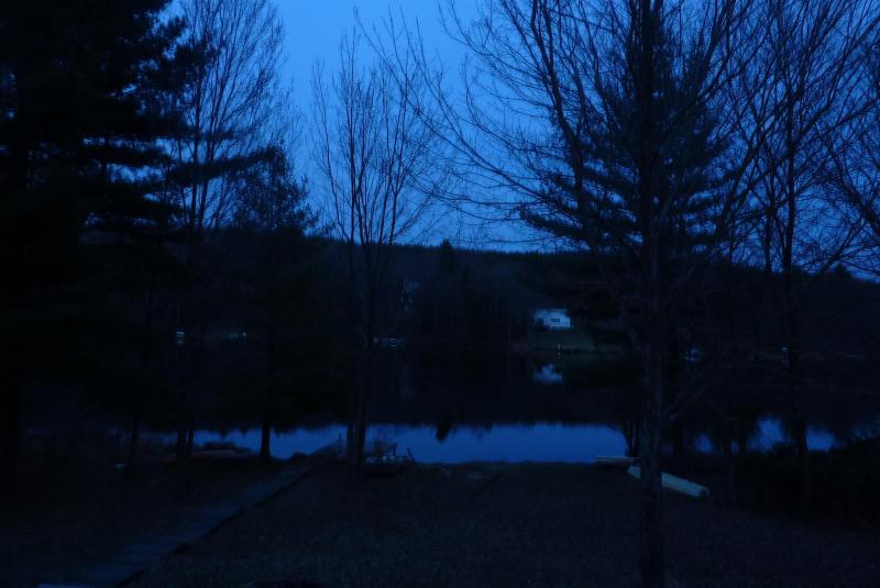 Entardecer no lago de mirtilo