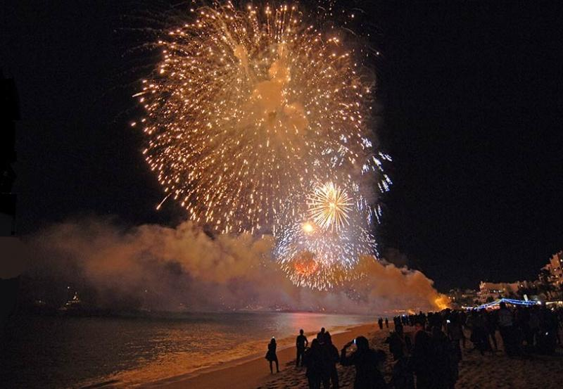 Amazing New Years Firework show on Cabo's pristine Medano Beach.