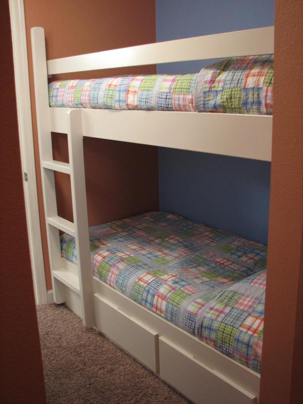Cozy bunk area that the kids love!