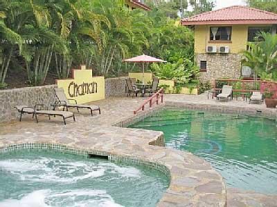 Espace piscine, partagée par 7 villas