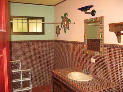 L'une des trois salles de bains