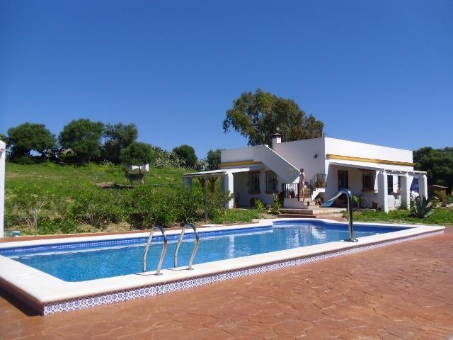 piscina privada y casa