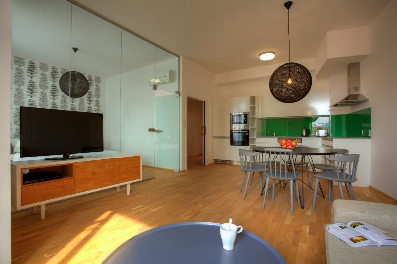Apartamento com 2 quartos varanda