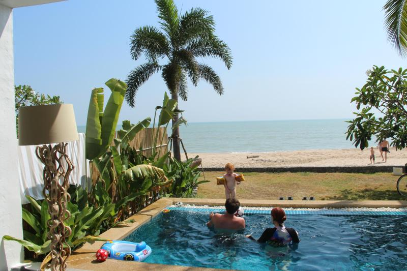 Absolute Beachfront, secluded Luxury, vacation rental in Kui Buri