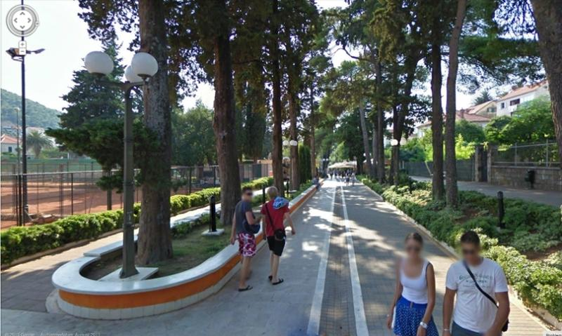 Promenade of Uvala lapad and tennis courts