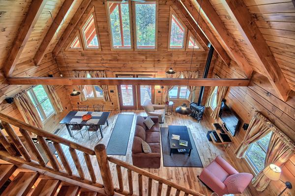 Marsh Hollow: Shadyside Cabin in the Hocking Hills, casa vacanza a Kingston