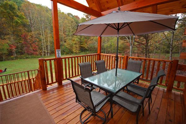 Deck dining for six