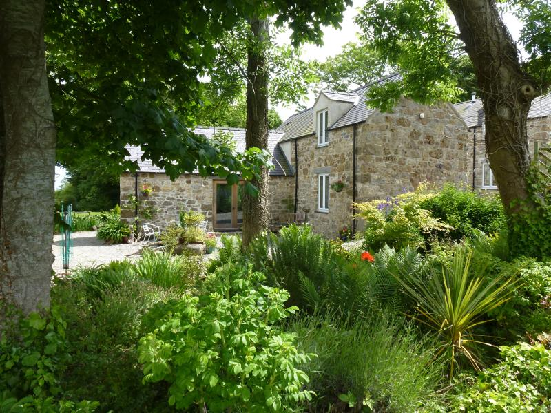 Swallow Cottage - Plas Llanfair - Anglesey, vacation rental in Brynteg
