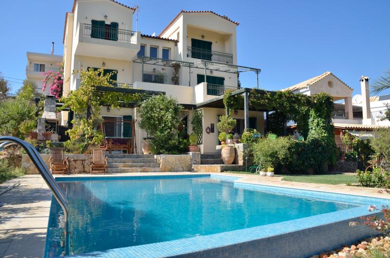 Elegant villa near Sounion - Athens, vacation rental in Lavrio