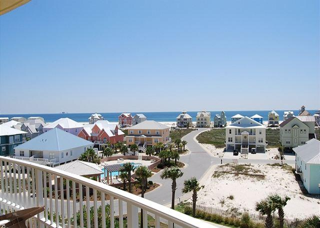 Breathtaking Sunset View from this Corner Unit!, vacation rental in Fort Morgan