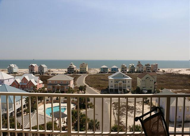 AWESOME VIEW OF GULF FROM THIS 3 BEDROOM CONDO!, vacation rental in Fort Morgan