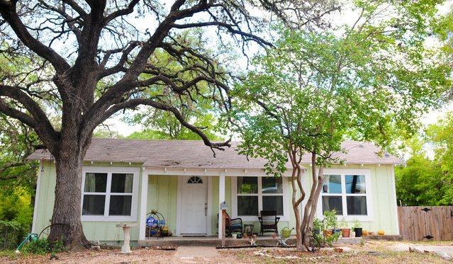 Séjour dans un bungalow de charme au coeur de tout dans la zone les plus chaudes de Austin.