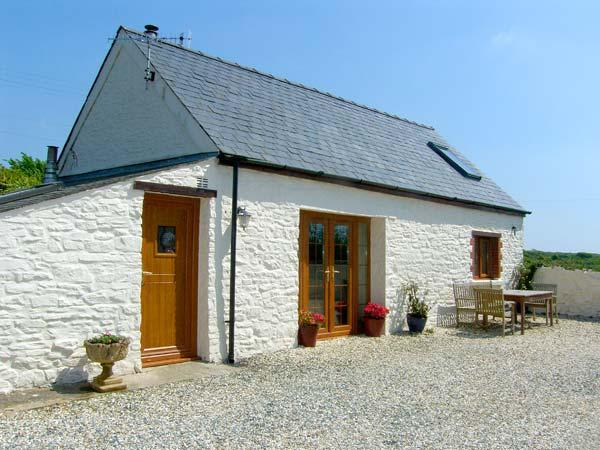 FOXGLOVE COTTAGE, romantic, character holiday cottage, with woodburner in, alquiler vacacional en Druidston