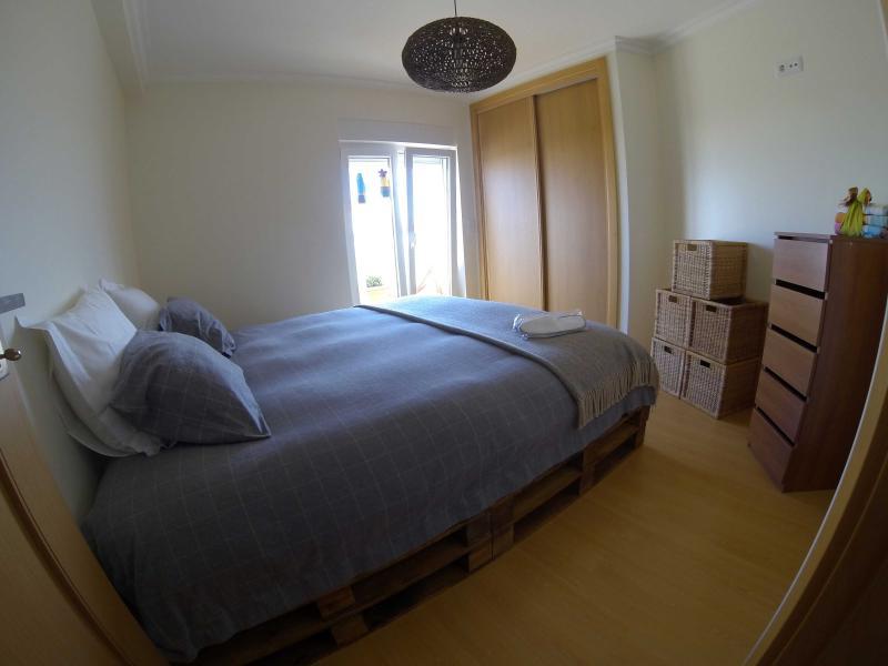 Bedroom with king size bed (sleeps 2)