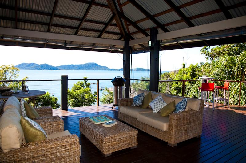 Bedarra Beach House - outdoor deck area