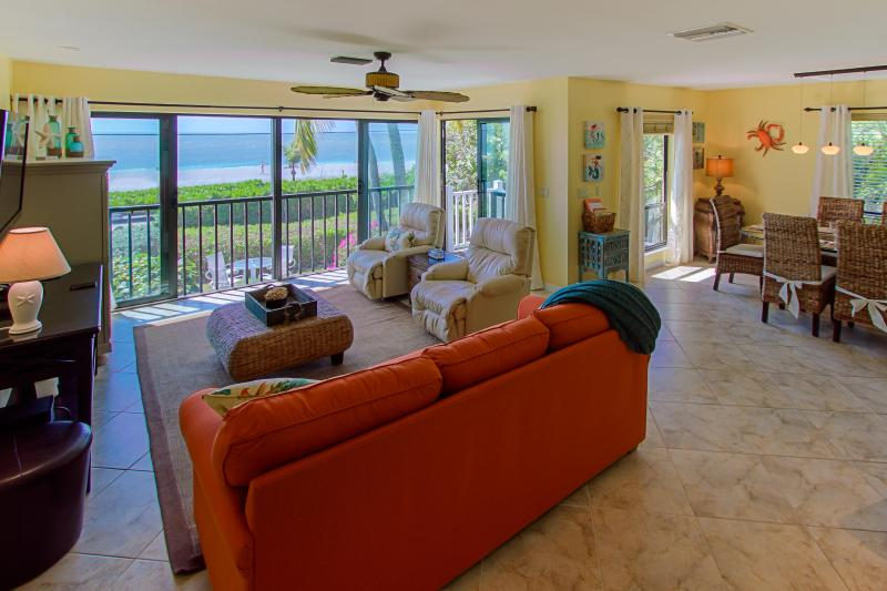 Sea Dreams: Luxury Ocean and Beach Front Townhome, alquiler de vacaciones en isla de Captiva