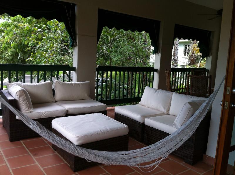 LAKESIDE VILLAS , Beautiful Beach Villa, located in a luxurious neighborhood, vacation rental in Vega Alta