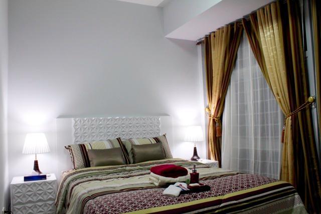 Luxurious 2 Bedroom Makati Condo, holiday rental in Makati