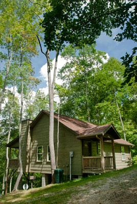 The Dogwood Breeze Cabin is perched on a Secluded Ridge at 3500' elevaton Perfect for Family Fun.