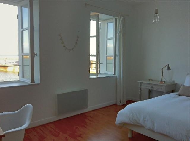 1st floor : 2 windows with amazing sea views