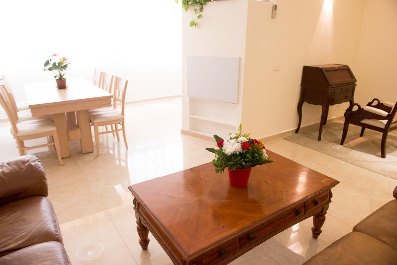 Vardagsrum och matplats