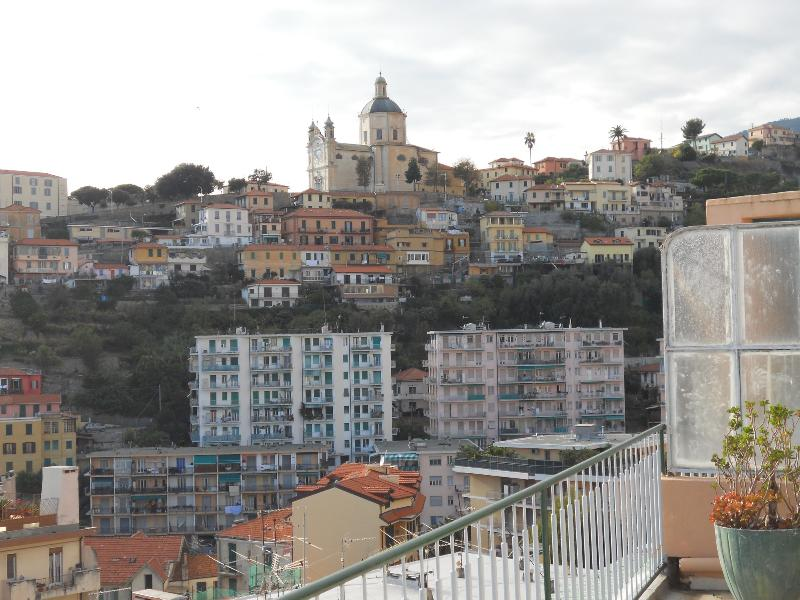 Day view of Cathedral from terrace