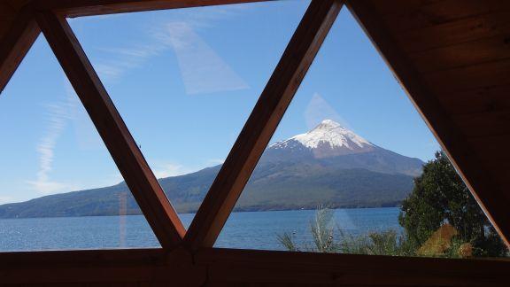 Vista desde el interior al Volcán Osorno