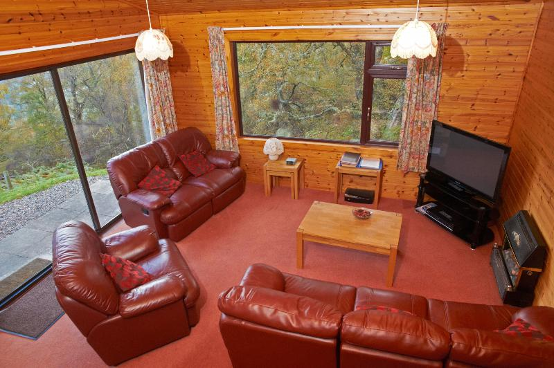 Loch Ness Rentals - Premier Lodge No 3, holiday rental in Dores
