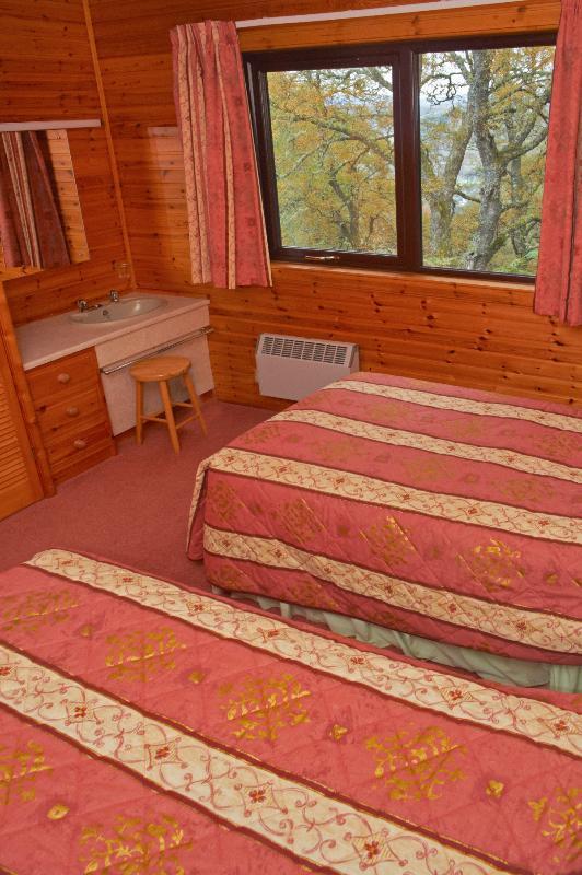 Premier Lodge No 3 - Twin Bedroom