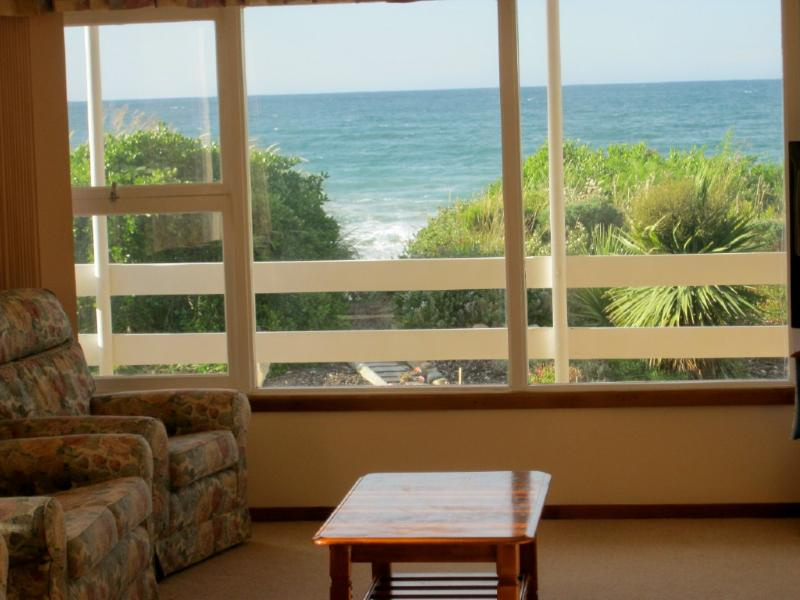 Absolute Paradise Beach House, holiday rental in Hawley Beach
