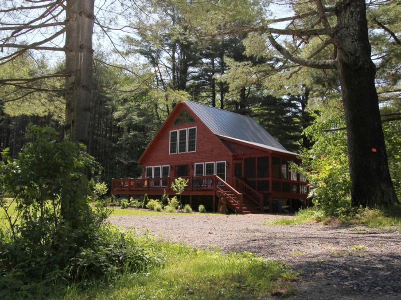 Vacation Retreat with Lake Rights On Lake Algonquin in Wells, New York, location de vacances à Lake Pleasant