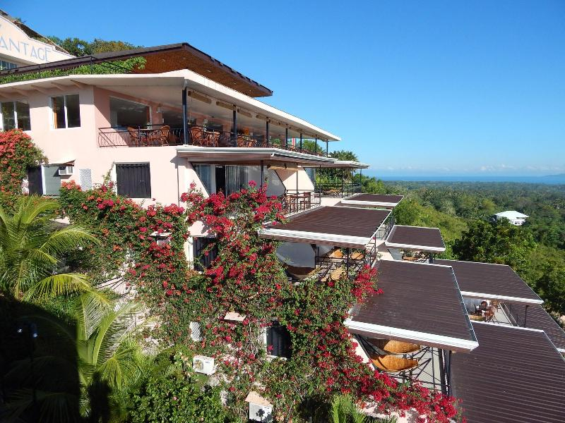 Apartment for rent in Hotel Bohol Vantage Resort., vacation rental in Loon