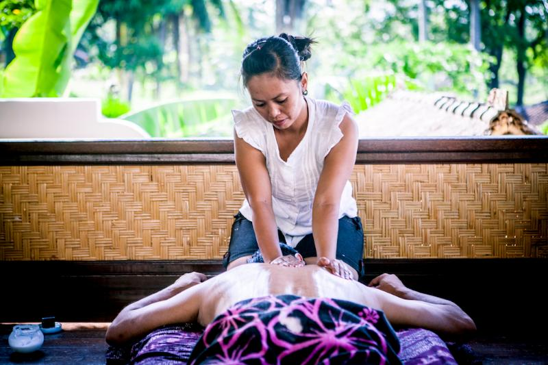 Garden bale, massage and beauty therapy