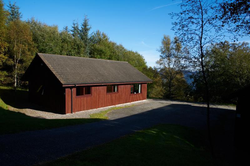 4 Lodge affacciato sul lago di Loch Ness.