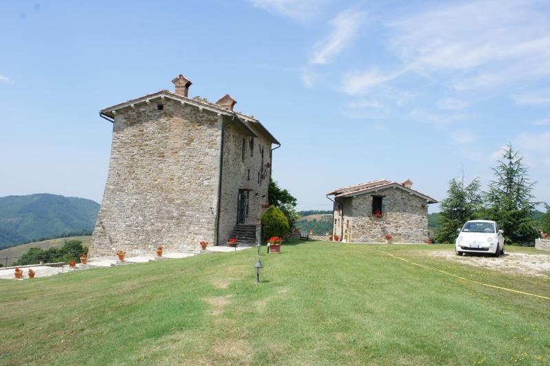 Palazzo Scagliae Castle in Gubbio Umbria Sleeps 8+, location de vacances à Gubbio