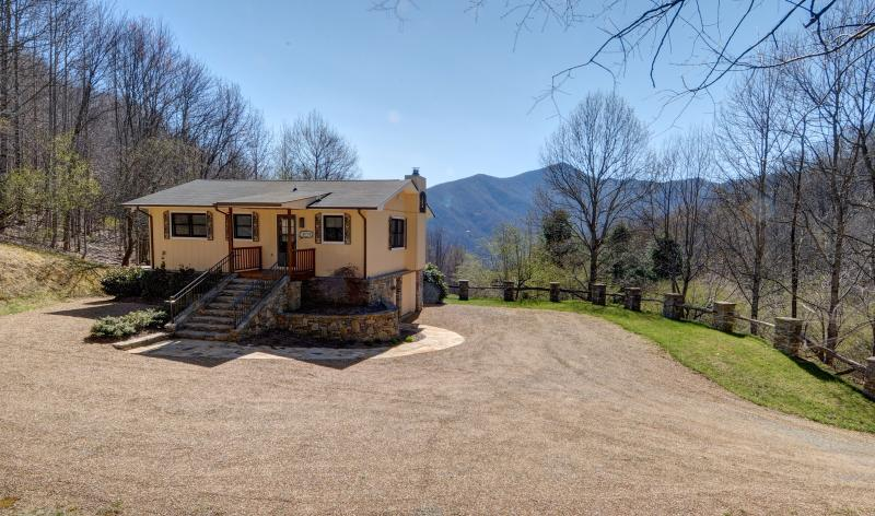 Another view of Majestic Vista from the front, large private driveway and attached garage.