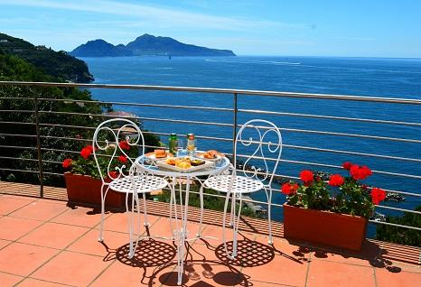 Enjoy Breakfast Surrounded with Beauty!