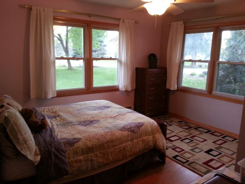 'De oude boerderij' kamer, ingericht in de oude tijd meubels.  Tweepersoonsbed.
