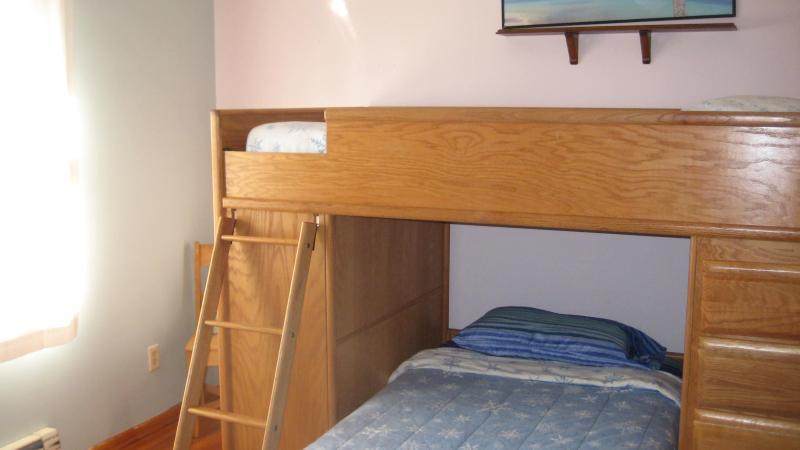 'De Rosewood' kamer, vernoemd naar het park aan de overkant.  Hoge kwaliteit twee aparte bedden.