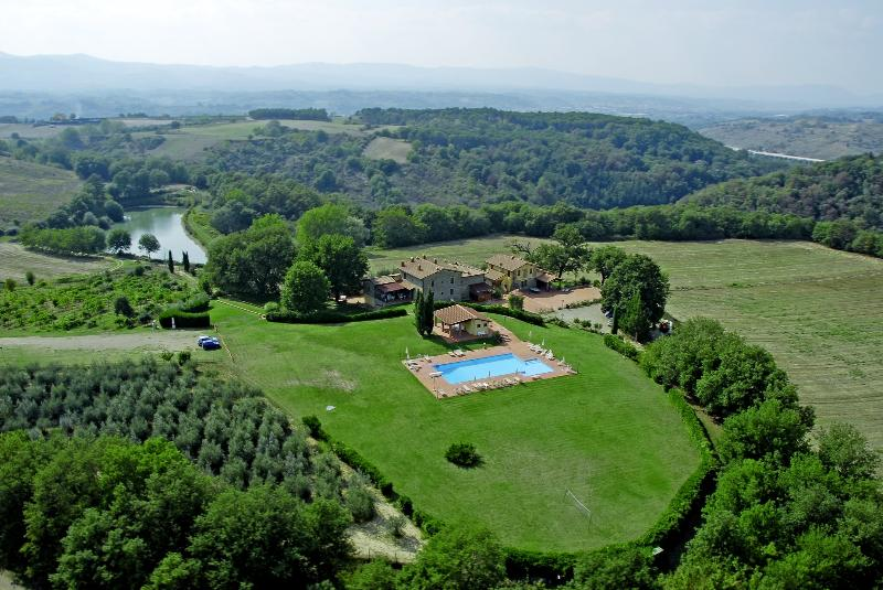 Colline House, in Tuscany, Residence Il Palazzo, vacation rental in Levane
