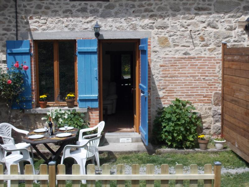 Cottage Lavaud, Self catering accommodation in the Monts de Blond, Haute Vienne, Limousin, France, vacation rental in La Croix-sur-Gartempe