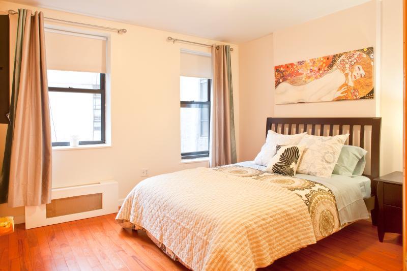 Dormitorio 1 camas Queen size con sábanas de algodón 100%