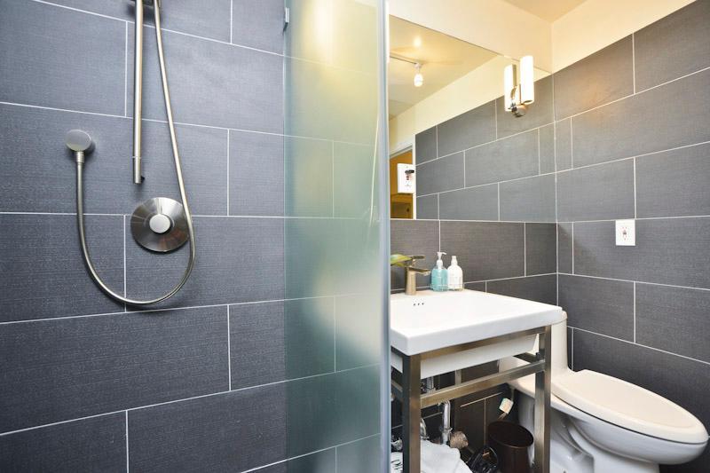Detalle de ducha estilo spa