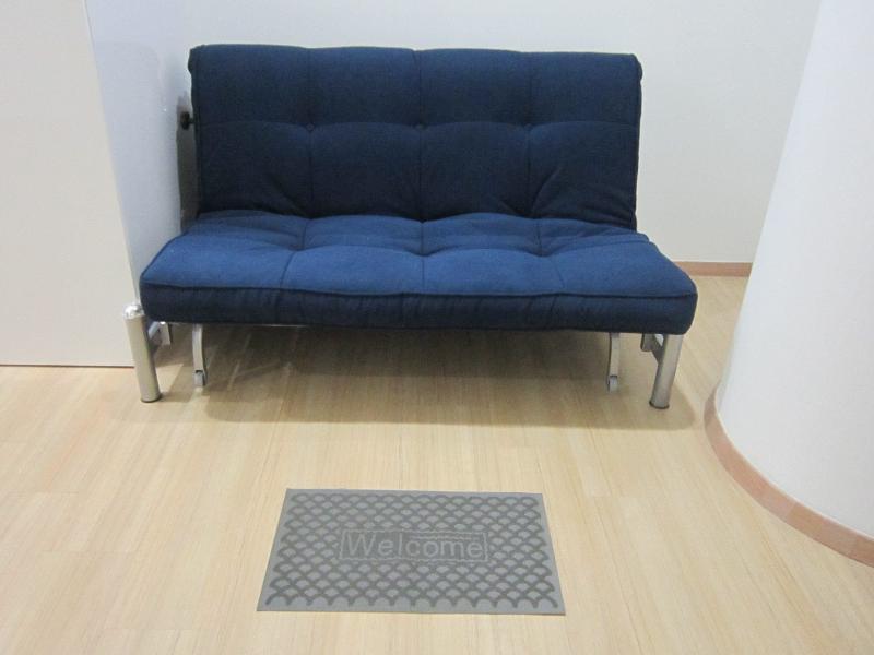 Doppelbett-Sofa im Wohnzimmer