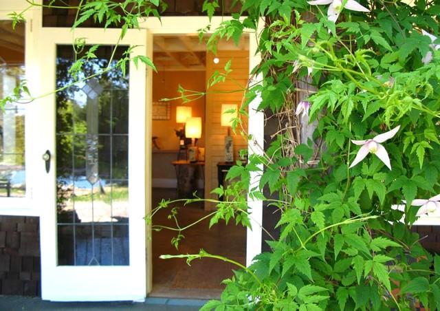 Ingången till blå häst Art Gallery, damm Suite ligger ovanför.