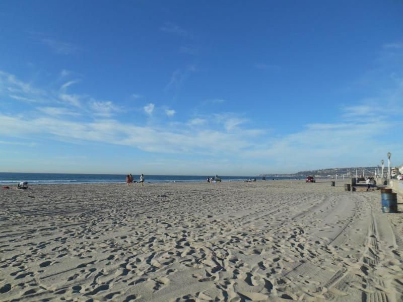 Mission beach next to the Belmont park 10 min drive