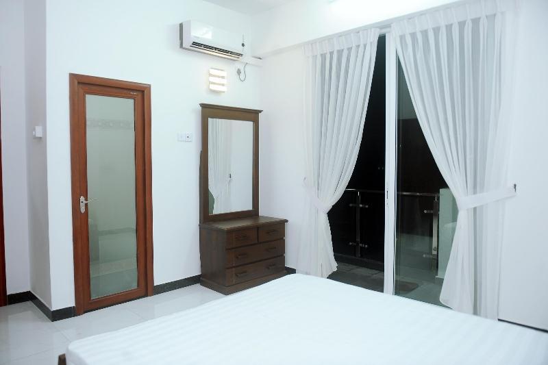 Master Beadroom with balcony